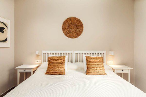 103-roomy-plaza-cama