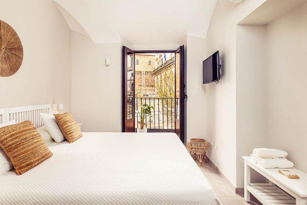103-roomy-plaza-habitacion